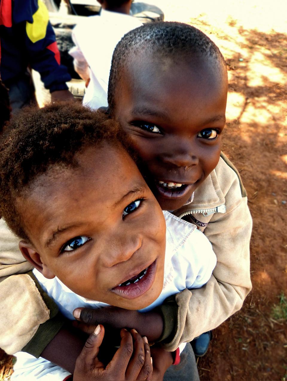 Kinder aus dem Camp Tsala ya Africa