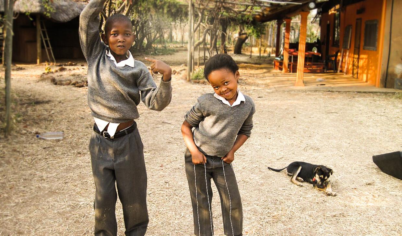 Kinder aus dem Bildungszentrum in Südafrika